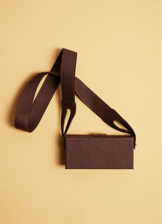 517883_272_1_S_CLUTCH-COURO