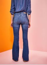 519502_3172_1_M_CALCA-JEANS-A-FLARE-FRANJAS