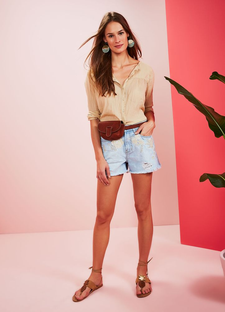 518820_1003_1_M_SHORT-JEANS-A-BORDADO-ROMANTICO