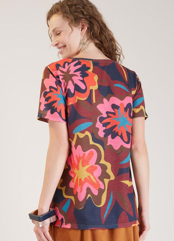 523347_0123_2_M_T-SHIRT-LOCAL-FLORAL-BOLD