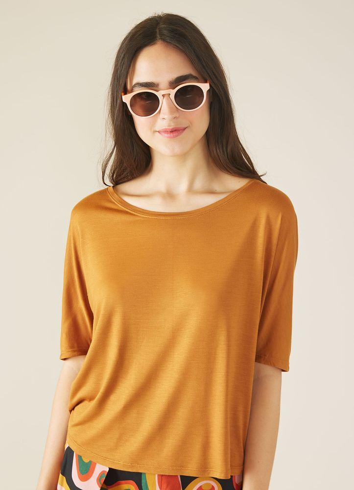 523974_0039_1_M_BLUSA-BASICA-VISCOSE-SQUARE-MC